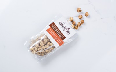 "POP CORN ""JOE & SEPHS"" CARAMEL, ROASTED PECAN & MAPLE SYRUP"